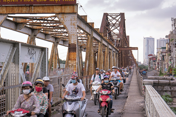 Long Biên Bridge